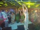 Maravilhada, Luana Piovani mostra fotos do casamento: 'Parecia um filme'