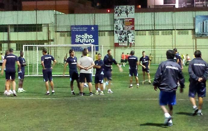 Real Garcilaso treina em quadra em Belo Horizonte (Foto: Fernando Martins)