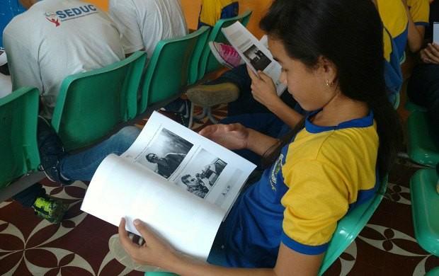 Alunos receberam orientações sobre introdução ao cinema (Foto: Efrain Mourão/ Rede Amazônica)
