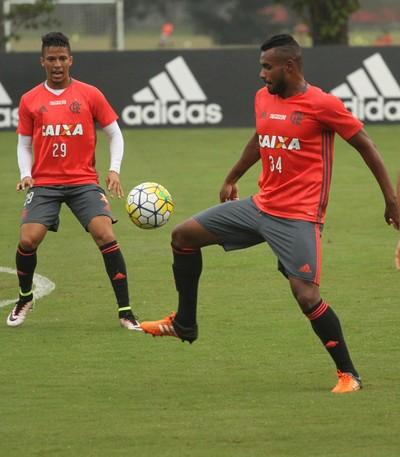 Nixon, Rafael Dumas, Ederson, Flamengo (Foto: Gilvan de Souza/Flamengo)