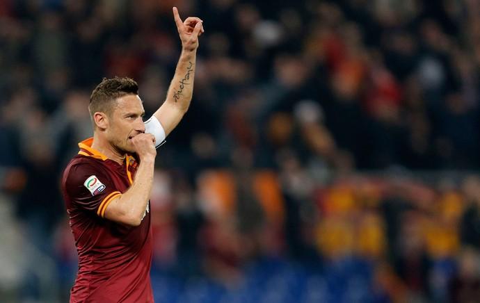 totti roma gol Chievo (Foto: Agência Reuters)
