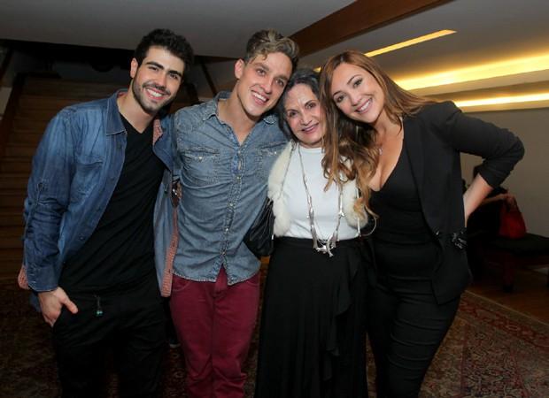 Juliano Laham, Gabriel Chadan, Rosamaria Murtinho e Josie Pessoa (Foto: Marcello Sá Barretto/AgNews)