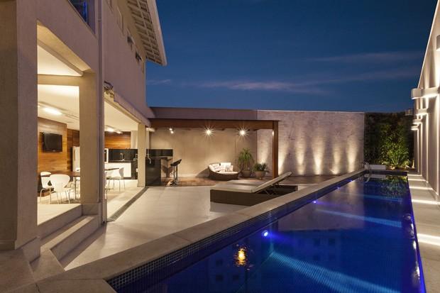 Lazer garantido para fam lia hospitaleira casa vogue casas for Fachadas de casas modernas em belo horizonte