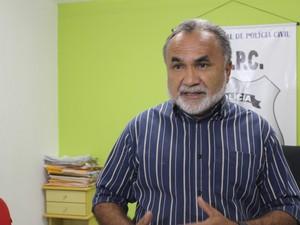 Delegado do 12º DP, Ademar da Silva Canabrava (Foto: Ellyo Teixeira/G1)