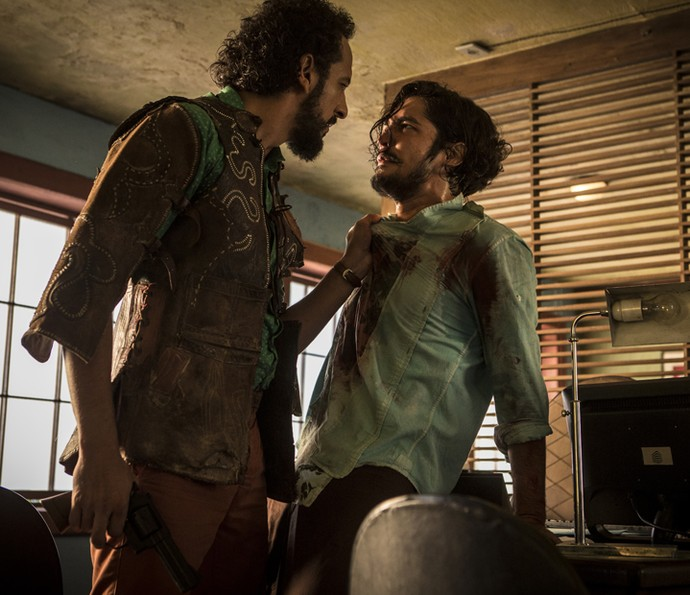 Bento questiona a vontade de Miguel, mas o compreende (Foto: Inácio Moraes/ Gshow)