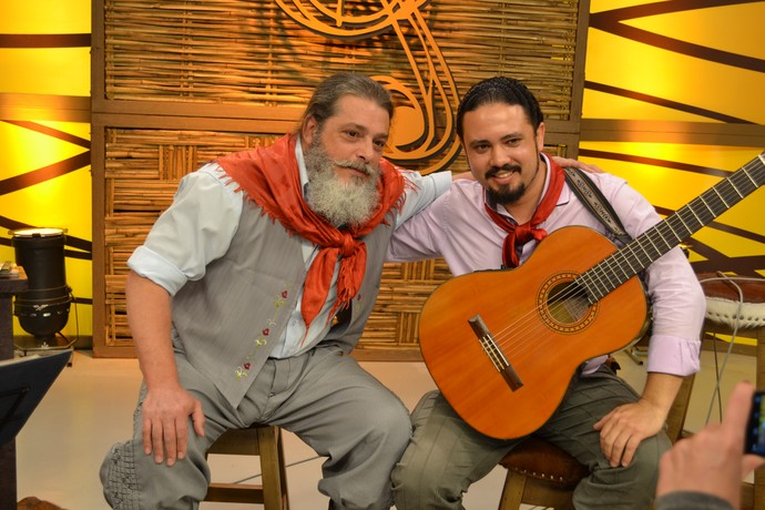 Marenco apadrinhou o músico Luis Arnobio no programa que foi ao ar no domingo (11).  (Foto: Nice Sordi/RBS TV)