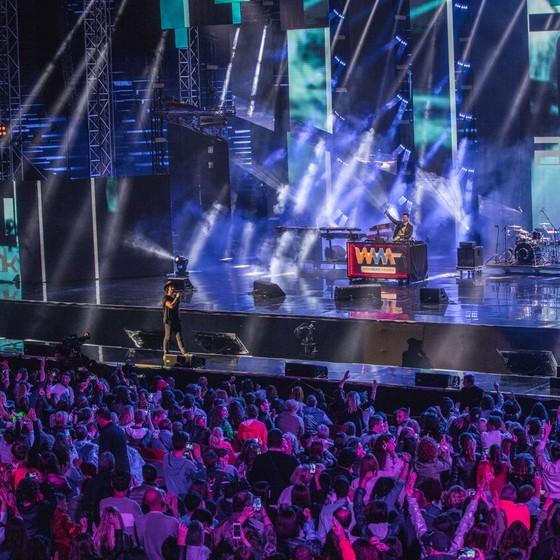 Alok e Zeeba se apresenta na arena Di Verona durante a premiação (Foto: Divulgação)