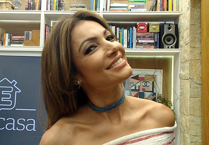 Para completar o look, Patrícia apostou em uma choker, tipo de colar curtinho (Foto: Raquel Gonzalez/Gshow)