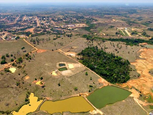 Água de açudes acima de reservatório devem ser bombeadas para encher depósito (Foto: Pedro Devani/Ascom)