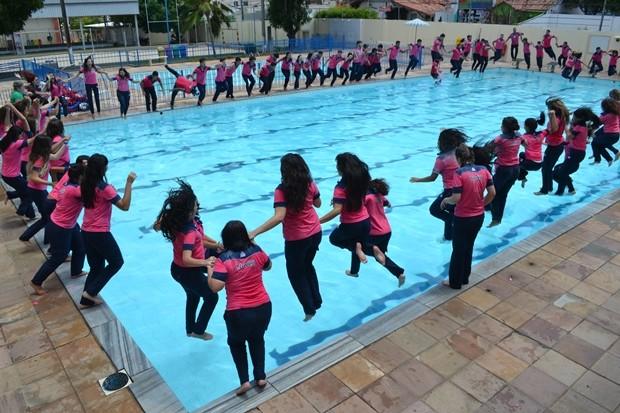 Alunos do Colégio das Neves tiveram dia de descontração antes do Enem (Foto: Divulgação/ Colégio das Neves)