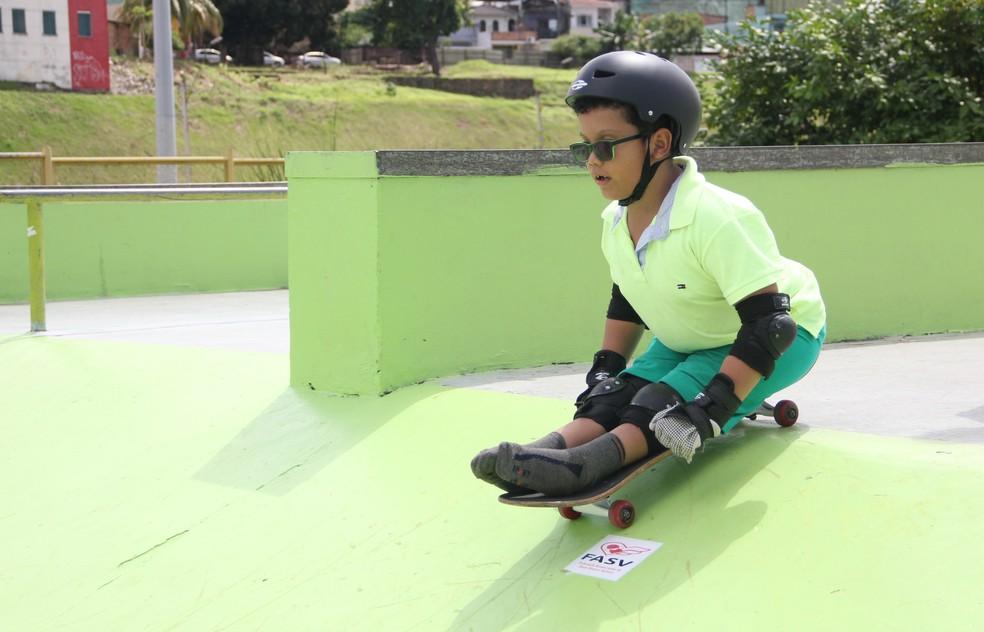 Leonardo adotou o skate como terapia e conquistou o primeiro título (Foto: Anderson Silva/Sejel)
