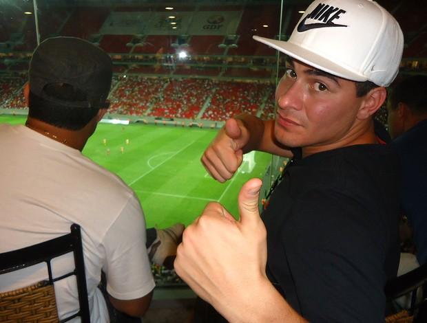 thiago martins estádio mané garrincha (Foto: Fabrício Marques)