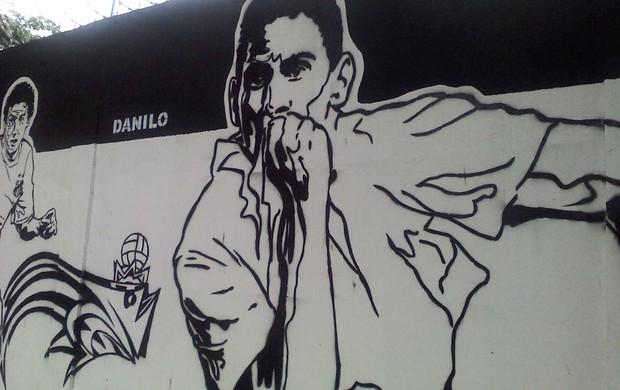 Paulo Henrique Ganso no muro do CT Rei Pelé (Foto: Lincoln Chaves / Globoesporte.com)