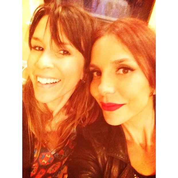 Sarah Oliveira e Ivete Sangalo em restaurante em Nova York, nos Estados Unidos (Foto: Instagram/ Reprodução)