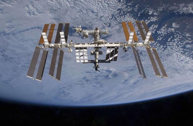 Três russos e três norte-americanos estão a bordo da ISS atualmente (Foto: Nasa)