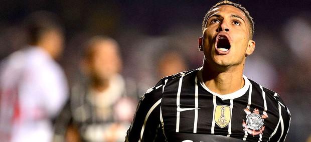 Guerrero gol jogo Corinthians São Paulo Recopa (Foto: Marcos Ribolli / Globoesporte.com)