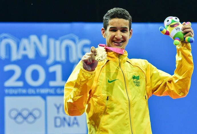 Edival comemora sua medalha de ouro em Nanquim (Foto: Wander Roberto/Inovafoto/COB)