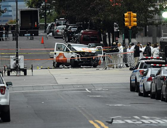 Local do atentado depois de isolado pela polícia de Nova York (Foto: JEWEL SAMAD/AFP)