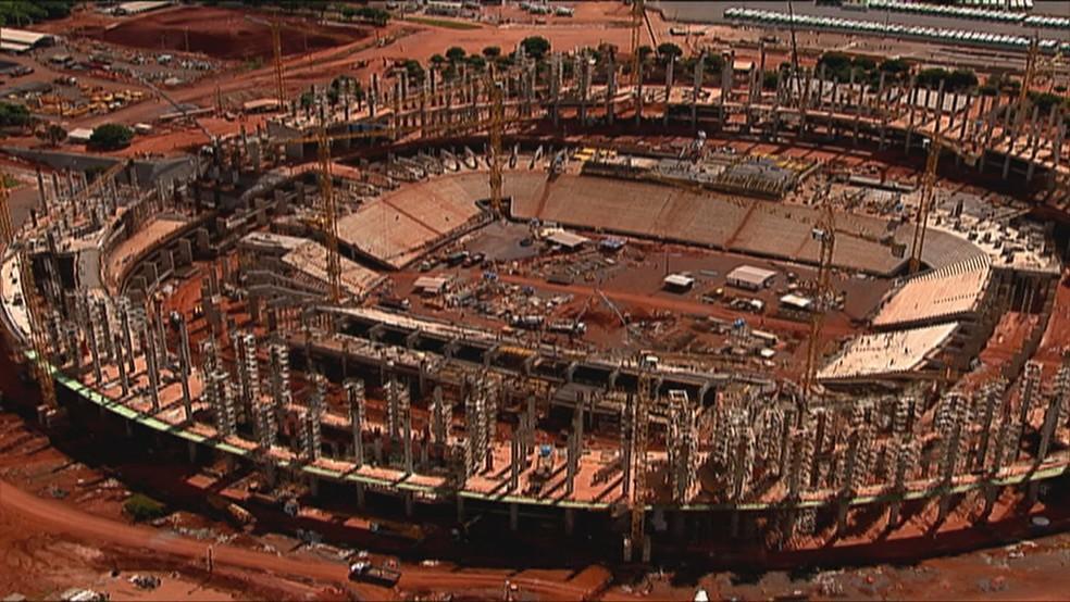 Obra do estádio Mané Garrincha (Foto: TV Globo/Reprodução)