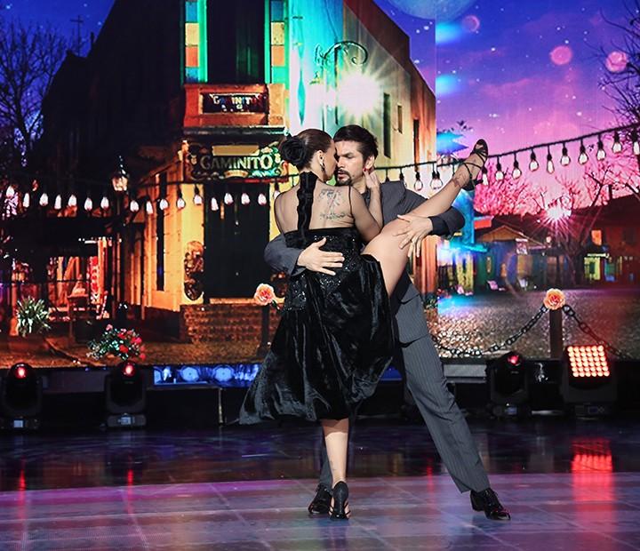 Coreografia de Vivi e Marcelo arrancou suspiros do público (Foto: Carol Caminha/Gshow)