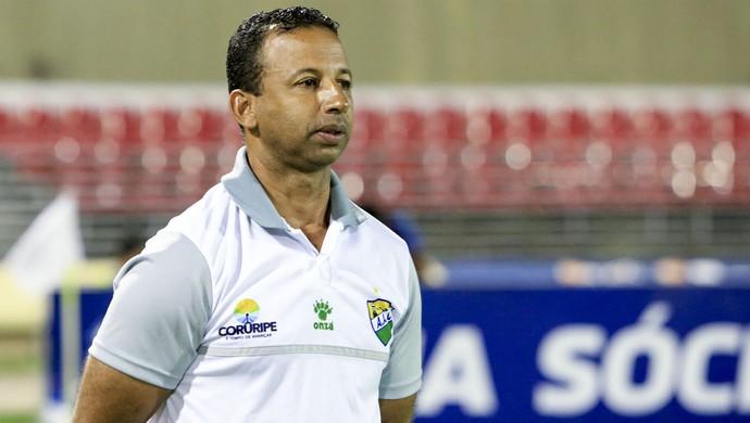 Sérgio Araújo, Técnico do Coruripe (Foto: Ailton Cruz/Gazeta de Alagoas)