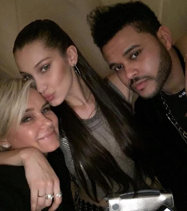Yolanda Hadid, Bella Hadid e Weeknd (Foto: Reprodução/Instagram)