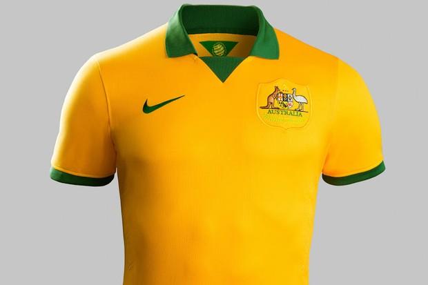 """Uniforme australiano """"copia"""" camisa brasileira fora de linha"""