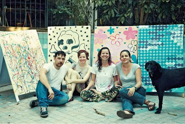 NA CARA Os artistas Sándor, Alessandra, Fer e Marianne (da esq. para a dir.) expõem suas obras  (Foto: Sandor Kiss)