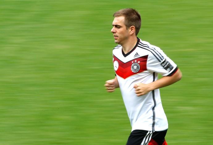 Philipp Lahm no treino da Alemanha (Foto  Reuters) 4e03fb45d42f1