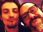 Alexandre Nero posta foto com Chay Suede e fãs elogiam: 'Dois gatos'