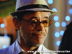 Mas com um avô destes, não tem como ficar braba por muito tempo (Foto: Flor do Caribe/TV Globo)
