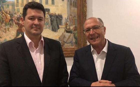 Deputado Betinho Gomes (PE) pede apoio a Alckmin na disputa pela lideranca do PSDB na Câmara (Foto: Reprodução)