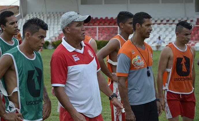 Flávio Leite, novo treinador do 4 de Julho para o Campeonato Piauiense (Foto: Carlienne Carpaso/G1)