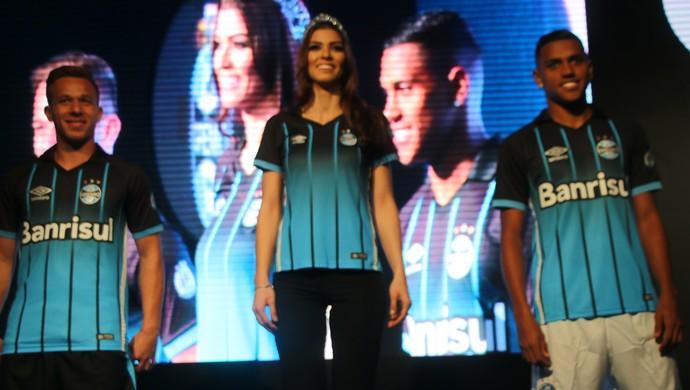 e5fce0adef11a Grêmio terceira camisa aniversário 113 anos (Foto  Diego Guichard    GloboEsporte.com)