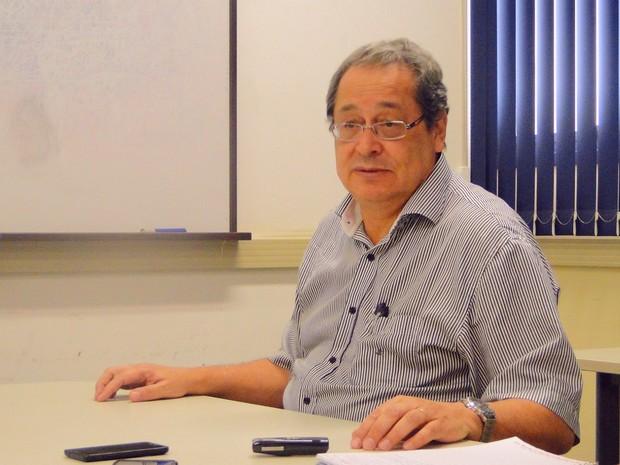 Professor Benedito Lopes da Fonseca coordena pesquisa que irá acompanhar gestação de seis mil mulheres da cidade (Foto: Gabriela Castilho/ G1)