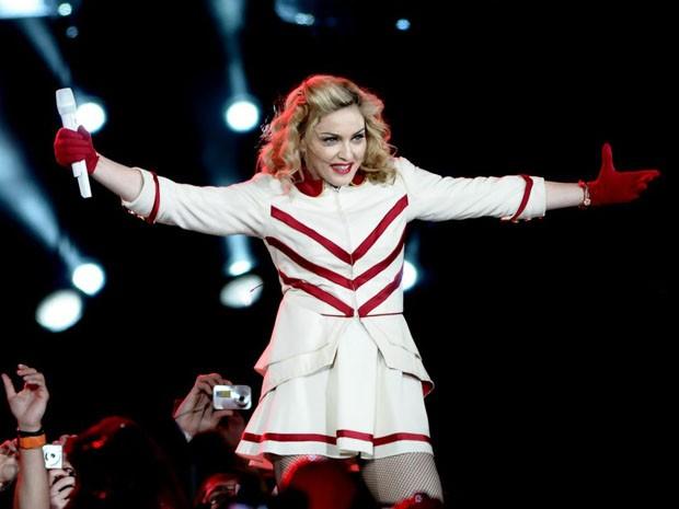 """Madonna durante a música """"Give me all your luvin'"""" (Foto: Francisco Cepeda/Divulgação/AgNews)"""