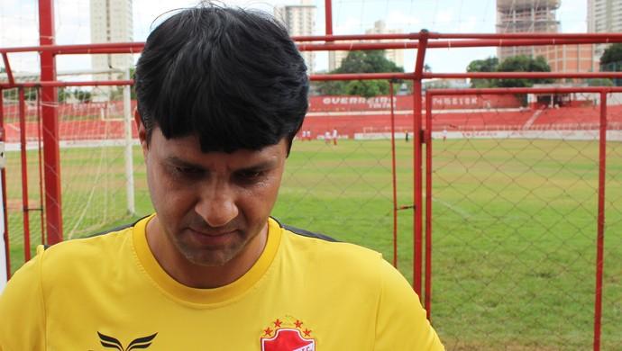 Wladimir Araújo - técnico Vila Nova (Foto: Fernando Vasconcelos / Globoesporte.com)