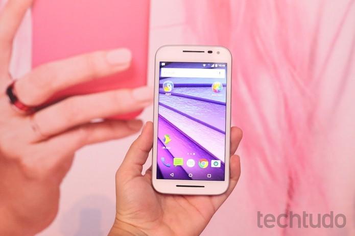 Moto G é o principal concorrente do Galaxy E5 (Foto: Nicolly Vimercate/TechTudo)