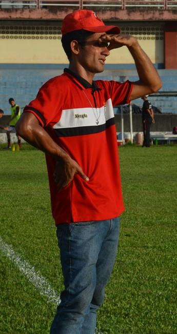 Patrick Ferreira, treinador do Flamengo no Santareno sub-17 (Foto: Michael Douglas/GloboEsporte.com)