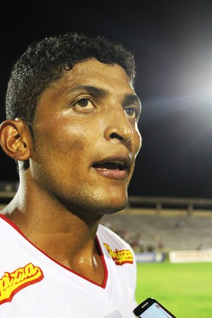 Paulo Paraíba, zagueiro do River-PI (Foto: Josiel Martins)