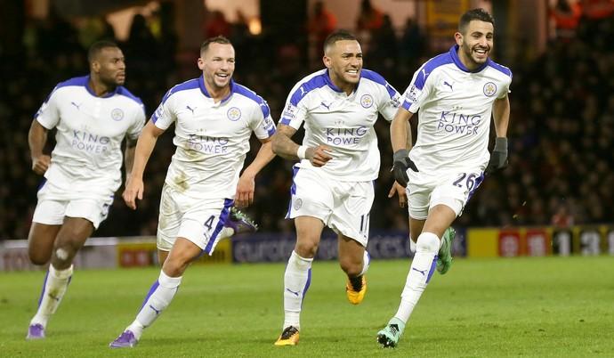 Mahrez gol Leicester (Foto: AP)