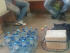 Dupla é flagrada vendendo água da toneira como mineral em Boa Vista