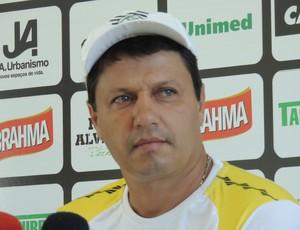Adilson Batista técnico Figueirense (Foto: Marcelo Silva)