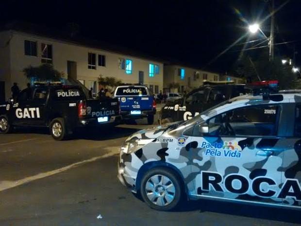 Dois jovens foram presos suspeito de tentar assassinar um homem em Petrolina (Foto: Divulgação / Polícia Militar)