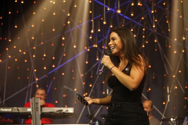 Anitta no ensaio do programa Música Boa ao vivo (Foto: Marcos Serra Lima/EGO)