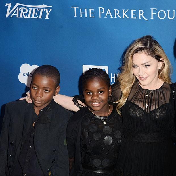 David Banda, Mercy James e Madonna (Foto: Getty Images)