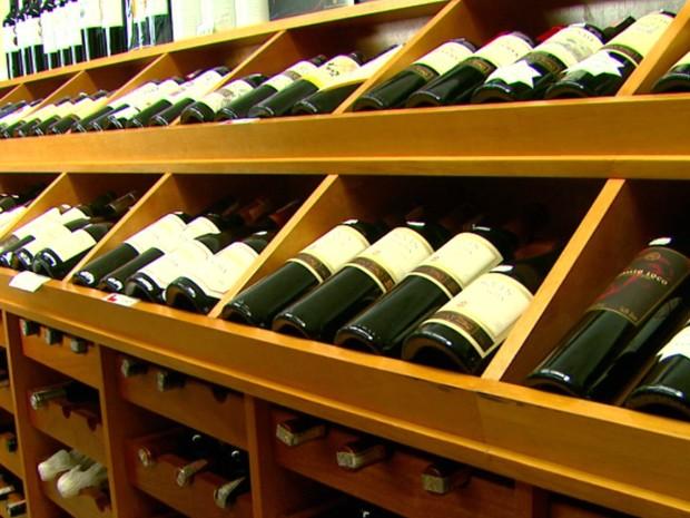Preço do vinho também sofreu reajuste (Foto: Reprodução/EPTV)