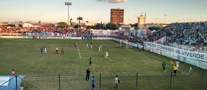 Esporte x Nacional, Patos (Foto: Rafaela Gomes / TV Paraíba)