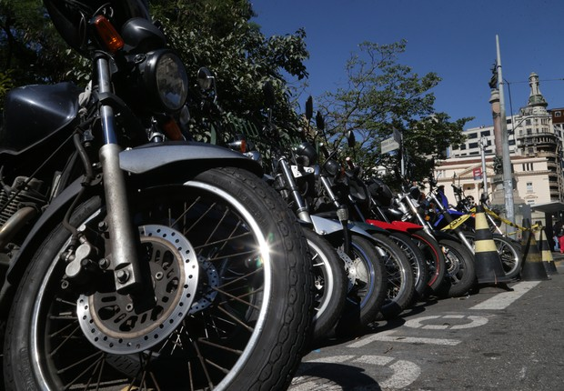Motos estacionadas na região central de São Paulo ; transporte ; moto ;  (Foto: Paulo Pinto/Fotos Publicas)