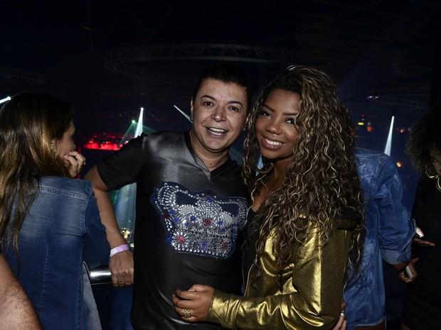 David Brazil e MC Ludmilla em show na Zona Oeste do Rio (Foto: Roberto Teixeira/ EGO)